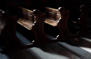 Las iglesias católicas del mundo desde que inició la pandemia ha dejado de recibir a sus fieles. FOTO/EFE