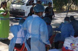 De acuerdo a la distribución por distrito se han aplicado 114 pruebas en Changuinola, 23 en Almirante, 18 en Bocas del Toro, Chiriquí Grande 14, Kankintú 3, Jironday 3.