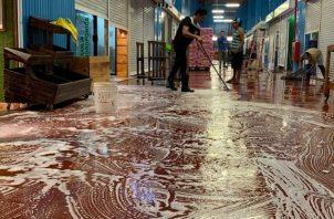 Las limpiezas se harán de forma escalonada para que las personas tengan la confianza de llegar a Merca Panamá.