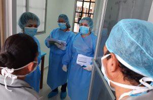 El informe preliminar del contagio por cada paciente enfermo de COVID-19 subió a 1.1.