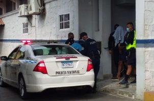 Se trata de dos moradores de La Villa de Los Santos, aunque uno de ellos mantiene vínculos en la provincia de Colón. Ambos cuentan con amplio prontuario delictivo.