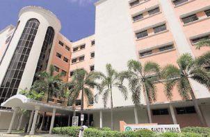 Los médicos que resultaron COVID-19 positivo son residentes de cirugía del Hospital Santo Tomás
