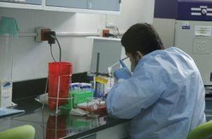 Las pruebas rápidas no detectan el COVID-19, aseguran los expertos.