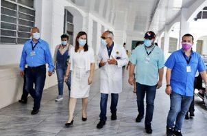 Rosario Turner realizó una ayer una gira en el hospital y aprovechó para explicar el tema de las compras en medio de COVID-19.
