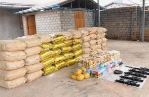 Drogas y armas con valor de 200 millones de dólares fueron incautadas hace poco. Foto / Policía de Myanmar, vía Reuters.