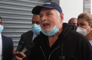 Ricardo Martinelli a su llegada ayer al edificio Avesa a presentar la denuncia contra el exmagistrado Jerónimo Mejía. Foto: Víctor Arosemena