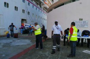 Tripulantes de Filipinas, India, Nicaragua, en coordinación también con las navieras, fueron llevados a sus respectivos países.