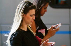 Las transacciones son posibles gracias a la tecnología. AP
