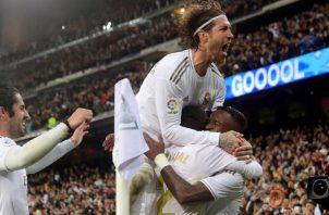 Real Madrid tiene que definir su serie ante Manchester United. Foto:EFE