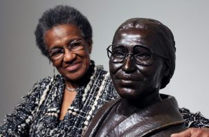 Fotografía fechada el 15 de mayo de 2014 que muestra a la directora del museo dedicado a Rosa Parks, Georgette Norman. EFE/Damià Bonmatí