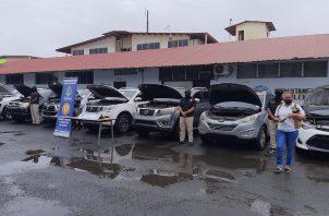 Las autoridades incautaron 10 vehículos, cuytos registros fueron alterados.