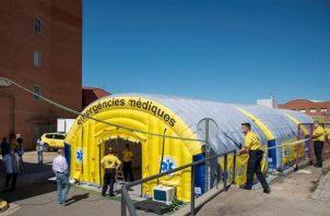 La comarca ha registrado ocho brotes, con más de 4.000 positivos, 356 nuevos contagios en la última semana, y las personas con coronavirus ingresadas en el hospital de Lérida se triplicaron en los últimos diez días. FOTO/EFE