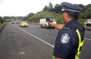 Las unidades tránsito de la Policía Nacional se encuentran apostadas en diferentes puntos.