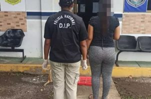 La mujer fue captura por unidades de la Policía Nacional en el sector de Llano del Medio en Las Lomas en David.
