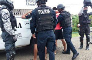 Tras algunas diligencias realizadas por el Ministerio Público en conjunto con unidades de la Poonal licía Nacise dio con a captura de estos cuatro sujetos presuntos responsables del hecho.