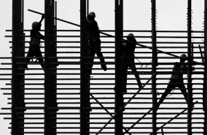 El bienestar social nacional, es el resultado de la destreza, creatividad e ingenio de los trabajadores. Foto: EFE