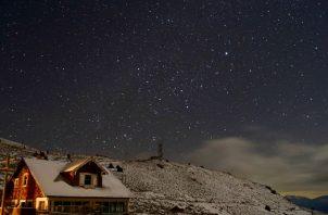Cerro Gordo, un pueblo minero de plata que estuvo décadas abandonado, está en las montañas cerca de Death Valley. De sus estructuras originales, quedan 22. Foto / Brent Underwood.