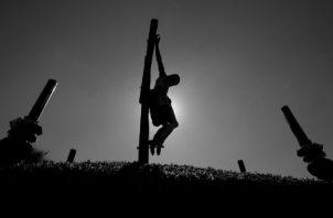 Jesús es el máximo ejemplo. Se encarna por amor a toda la humanidad y, al hacerse Dios hombre, asume todo el dolor del mundo, todo el pecado, toda la maldad y con carga en sus hombros benditos. Foto: Archivo.