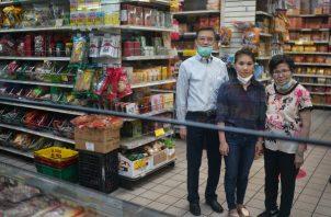 Sophia Ng Tsao convenció a sus padres de iniciar una tienda en línea para su tienda de abarrotes, Po Wing Hong. Foto / Chang W. Lee/The New York Times.