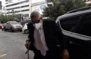 El comisionado Ricardo Garay acudió al edificio Avesa.