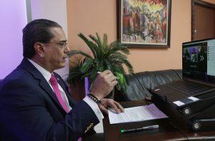 El ministro de Miviot, Rogelio Paredes, dijo que el sector de la construcción es un segmento importante de la economía panameña. Foto Miviot