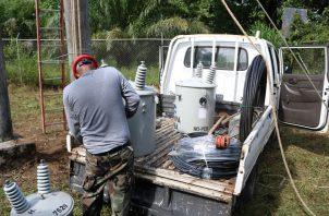 Esta primera fase contempló los trabajos de cambio de transformadores. revisión de bombas en las tomas de agua y planta potabilizadora.
