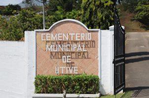 Con el sepelio solemne de los restos de dos personas que se mantenían en la morgue judicial de Panamá Oeste se pudo liberar espacio.