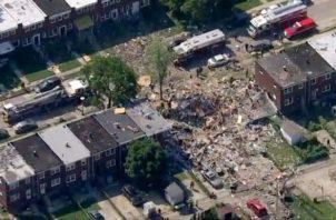 Los empleados de un restaurante Applebees ubicado a dos cuadras de distancia dijeron a la estación local WJZ de la cadena CBS. que sintieron la onda expansiva de la explosión, que arrojó escombros sobre la vereda y la calle.