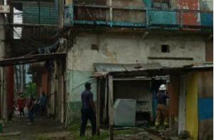 El viejo caserón está ubicado en calle 12 y 13, avenida Herrera, Colón. Fotos: Diómedes Sánchez S