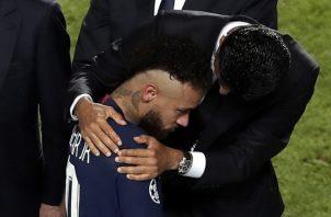 Neymar no pudo guiar al PSG al triunfo.
