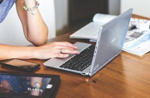 La cuarentena y el abuso de los aparatos electrónicos pueden traer consecuencias. Foto: Ilustrativa /Pixabay