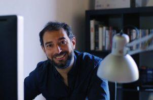 """El facilitador del entrenamiento es Pere Estupinyá, quien actualmente dirige y presenta """"Cazador de Cerebros"""" en Televisión Española (TVE)."""