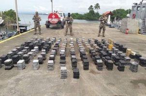 Mil 769 paquetes de cocaína y 21 paquetes de marihuana, fueron detectados el 27 de agosto, que eran transportados en una lancha rápida, que fue interceptada por una nave del Servicio Nacional Aeronaval (Senan) a unas quince millas náuticas al noreste de Isla Grande en la costa atlántica.