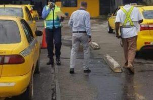 El jefe regional de la ATTT, indicó que esta medida ayudará para que muchos taxistas, que tienen que hacer diligencias s personales o carreras en la ciudad capital, no se vean afectados.