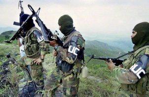 La guerrilla también propició la creación de otros grupos irregulares como las Autodefensas Unidas de Colombia (AUC) Archivo