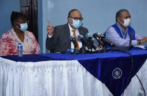 Enrique Lau Cortés brindó detalles sobre la situación con FCC, este jueves.