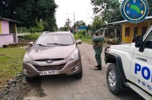 El panameño manifestó a las unidades policiales haber vendido cinco cajas durante el transcurso del camino de las 35 cajas y solo le quedaban las 30 cajas encontradas.