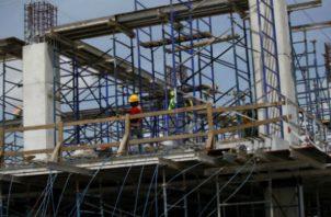 A partir de hoy, lunes el sector de la construcción público y privada reiniciará operaciones luego de cinco meses de estar cerrados.