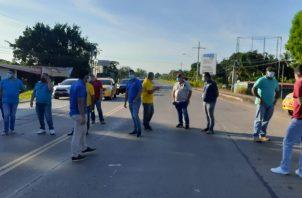 Esta apertura, significaría que más de 500 taxis circularían en el distrito de Chitré a la vez, sin que todavía existan todos los comercios abiertos. FOTO/THAYS DOMÍNGUEZ