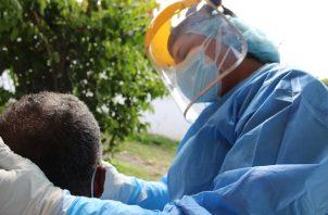 El personal del Minsa realizó 5.355 pruebas nuevas de contagio. Foto cortesía Minsa