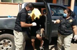 Una vez se aplicó como medida cautelar la detención provisional se ordenó el traslado del joven al centro penal ubicado en el corregimiento de Chiriquí. FOTO/Mayra Madrid