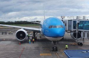 Los vuelos humanitarios, de repatriación y de carga se mantienen habilitados en el Aeropuerto Internacional de Tocumen. Foto cortesía @tocumenaero