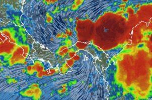 """El director del Sistema Nacional de Protección Civil, Carlos Rumbo, desde su cuenta personal de twitter, expresó: """"la llegada al istmo de la Onda Tropical número 38 genera inestabilidad, por lo que mantendremos lluvias de variada intensidad y actividad eléctrica""""."""