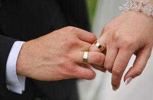 El matrimonio es entre hombre y mujer de acuerdo a lo que es nuestra tradición y nuestra constitución.