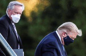 Sean Conley, médico del presidente Donald Trump, se negó a detallar si, pese a que no necesitó oxígeno hoy, el mandatario ha tenido que recibirlo desde que comenzó el tratamiento. FOTO/EFE