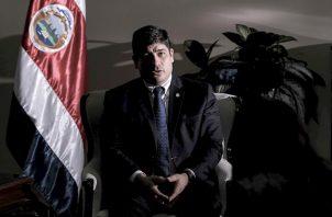 """El presidente dijo que acoge """"con humildad"""" el llamado al diálogo de los sectores democráticos de la sociedad costarricense, entre ellos los partidos políticos, las cooperativas, los sindicatos, los empresarios, la academia, el sector agropecuario y sectores religiosos."""