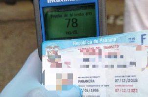 Si el guarómetro marca de 41 en adelante es embriaguez comprobada. Foto cortesía Policía Nacional