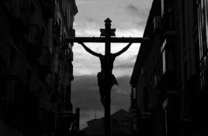 Llegó Cristo rey y, muriendo en la cruz, consiguió desterrar el poder del mal y el castigo eterno. Foto: Archivo.