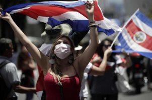 Costa Rica cerrará el 2020 con un déficit fiscal de al menos el 9% del PIB y una deuda de alrededor del 70% del PIB. EFE