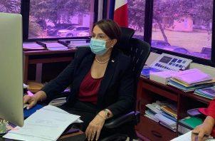 Ministra de Educación Maruja Gorday de Villalobos.